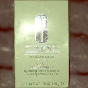 Clinique Moisture Surge CC Cream Compact